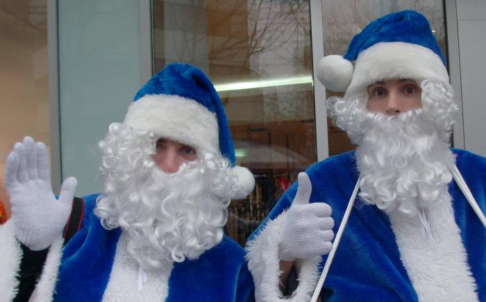 blue santas